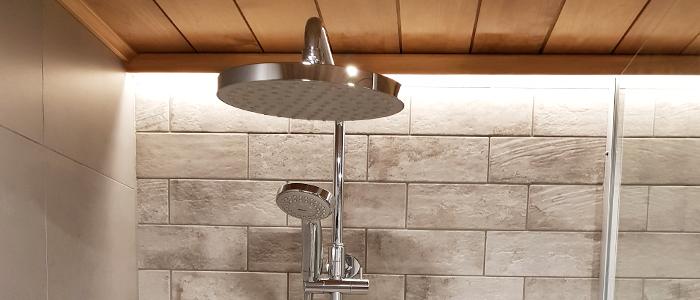 Moderni suihku ja epäsuora valaistus